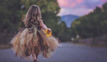 A Menina Que Corria Feliz